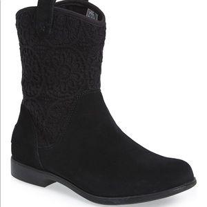 •UGG• New Dahlia Boots